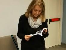 """Loredana De Petris riceve il libro bianco """"IL MARE NEGATO DI ROMA"""""""