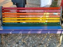 Inaugurazione panchina arcobaleno a Tropea (Vv)