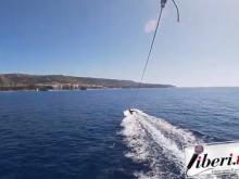 """Liberi.tv """"In volo sul mare di Tropea"""" - Parasailing"""