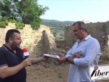 """Luigi De Magistris riceve il libro """"Malacura"""" di Ercole Cavaliere (Officine Editoriali da Cleto)"""