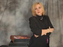 Antonella Colonna Vilasi: Saggista, scrive su varie riviste, ha pubblicato numerose opere nel campo criminologico-forense