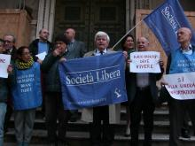 Flash mob per la vita di RADIO RADICALE organizzato da Società Libera