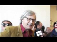 Intervista di Jana Cardinale a Vittorio Sgarbi candidato Sindaco a Salemi (TP)